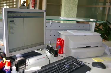 Ventanilla oficina sección de crédito